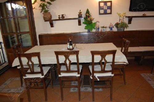 restaurant al caminetto timisoara masa cu 3 scaune
