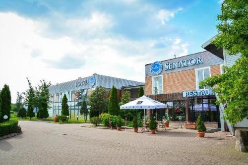 restaurant Garden Senator Timisoara exterior