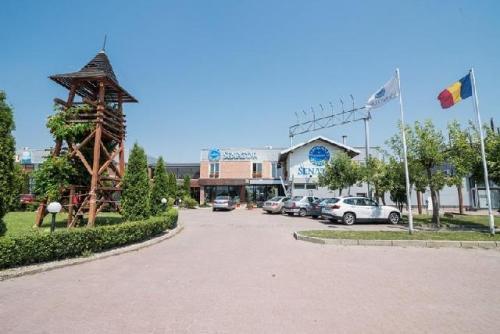 restaurant Garden Senator Timisoara in exterior