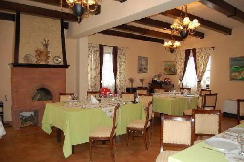 restaurant popasul caprioarei padureni interior restaurant