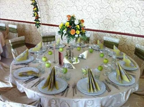 Restaurant Casa Domnitei Mosnita Noua sala mijlocie